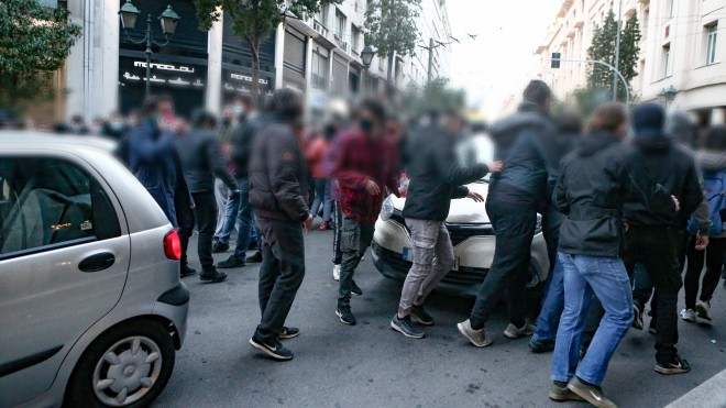 Στιγμιότυπο από τους συγκεντρωμένους αλληλέγγυους του Δ. Κουφοντίνα- φωτογραφία Intime