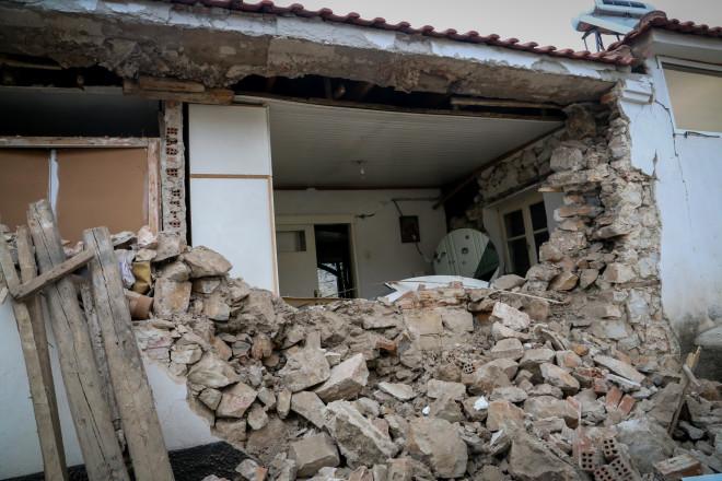 Χωριό Δαμάσι Τυρνάβου: Πολλά σπίτια δεν είναι κατοικήσιμα μετά τον σεισμό- φωτογραφία Eurokinissi