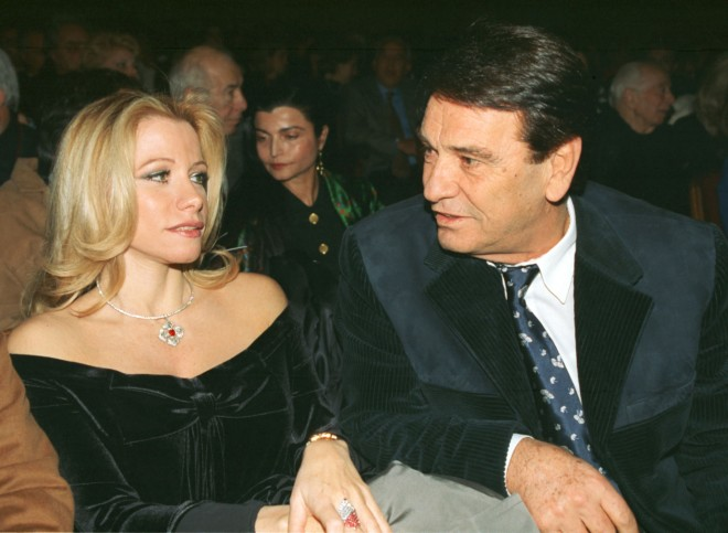 Μαριάννα Λάτση και Νίκος Κούρκουλος σε θεατρική πρεμιέρα το 1998
