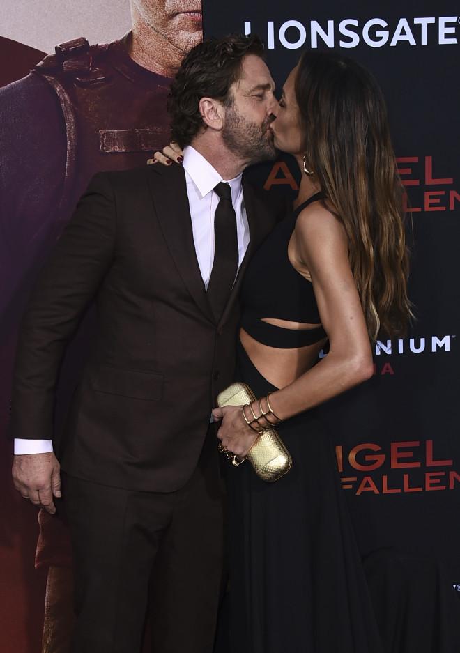 Το καυτό φιλί του Gerard Butler και της Morgan Brown στην πρεμιέρα της ταινίας «Angel Has fallen» τον Αύγουστο του 2019