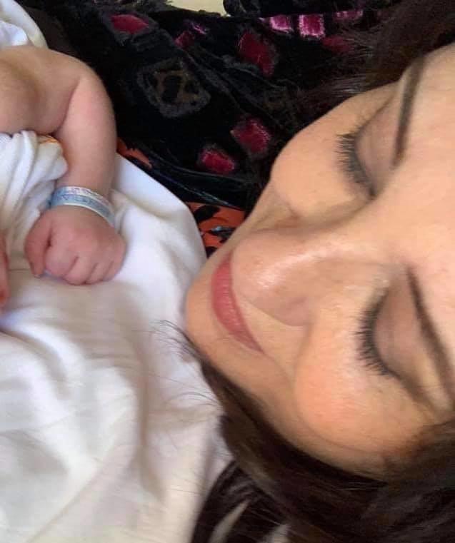 Η Μαρία Τζομπανάκη αγκαλιά με τον εγγονό της