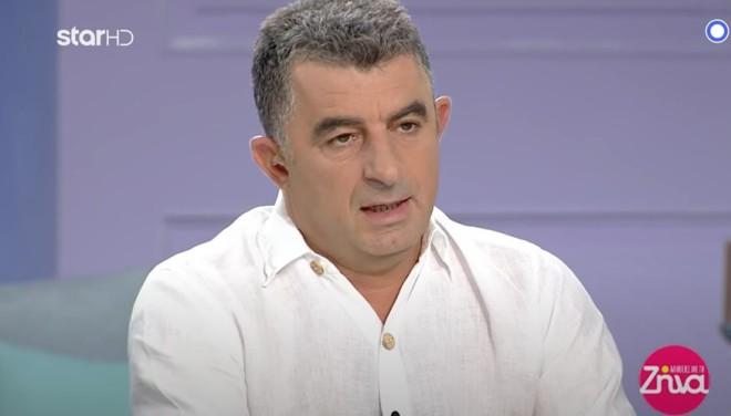 O αστυνομικός συντάκτης , Γιώργος Καραϊβάζ, που εμφανιζόταν  καθημερινά στην εκπομπή του Star «Aλήθειες με τη Ζήνα», εκτελέστηκε εν ψυχρώ έξω από το σπίτι του στον Άλιμο