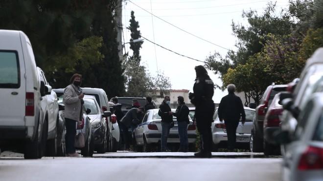 Πυροβόλησαν και σκότωσαν τον Γιώργο Καραϊβάζ έξω από το σπίτι του στον Άλιμο- φωτογραφία ΙΝΤΙΜΕ