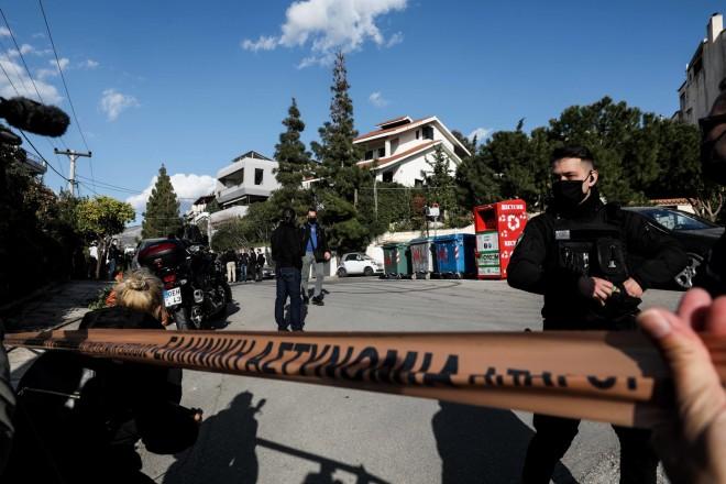 Η αστυνομία απέκλεισε το σημείο όπου στήθηκε η ενέδρα θανάτου - φωτογραφία Eurokinissi