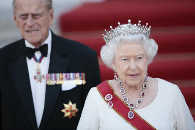 Ο πρίγκιπας Φίλιππος και η βασίλισσα Ελισάβετ- φωτογραφία ΑΡ