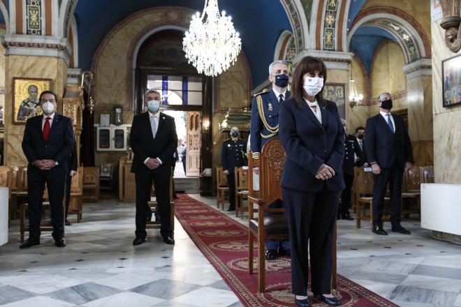Η κ. Σακελλαροπούλου παρέστη στη δοξολογία που πραγματοποιήθηκε στον Ιερό Ναό του Αγίου Νικολάου