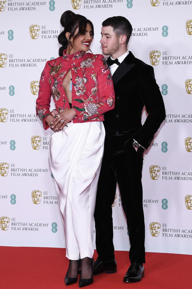Η  Priyanka Chopra Jonas με τον σύζυγό της Nick Jonas