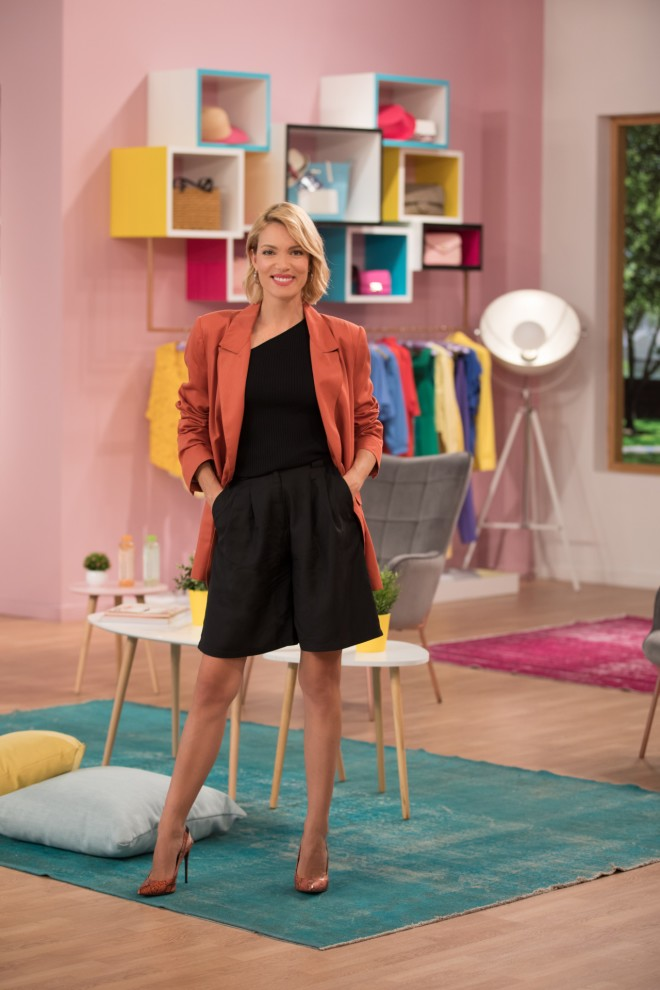 Η παρουσιάστρια του Shopping Star, Βίκυ Καγιά