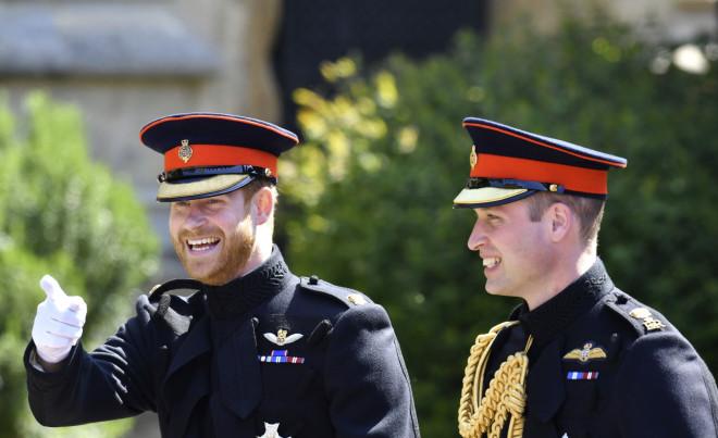πρίγκιπας William – πρίγκιπας Harry με στολές