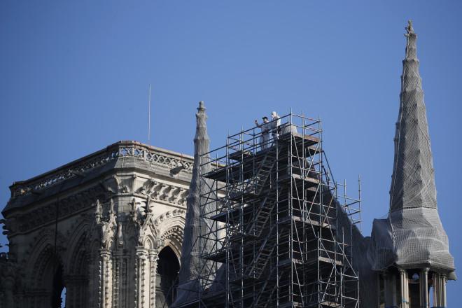 Εργοτάξιο θυμίζει η Παναγία των Παρισίων δύο χρόνια μετά την πυρκαγιά