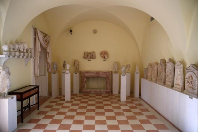 Στον 1ο όροφο του Μον Ρεπό ηέκθεση αρχαιολογικών αντικειμένων-φωτογραφία ΑΡ