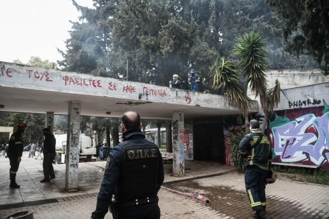 Και δυνάμεις της ΟΠΚΕ στο σημείο όπου ξέσπασε φωτιά στο άλσος Καισαριανής- φωτογραφία Eurokinissi