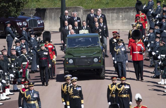 Κηδεία Φίλιππου πράσινο αμάξι