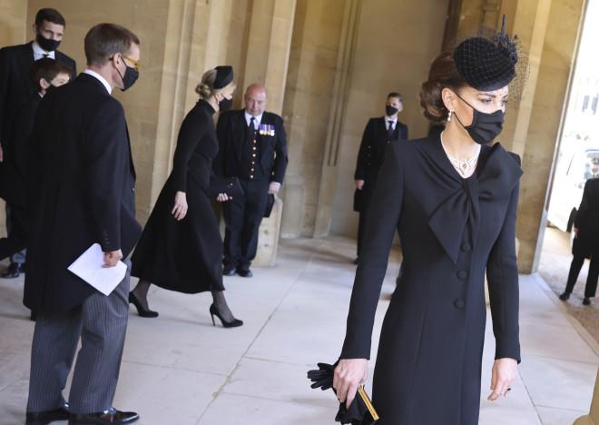 Η Kate Middleton δεν παρέλειψε τη μάσκα για τον κορωνοϊό