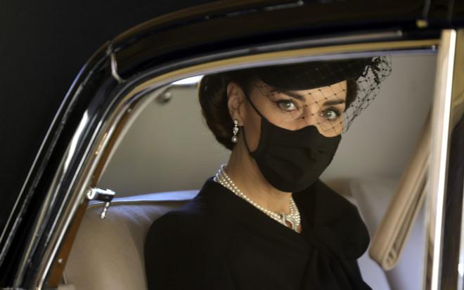 H Kate Middleton πριν φτάσει στο Παρεκκλήσι του Αγίου Γεωργίου στον Πύργο του Ουίνδσορ.