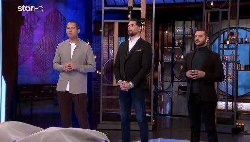 Οι τρεις κριτές ανακοινώνουν τα πλεονεκτήματα του Διονύση
