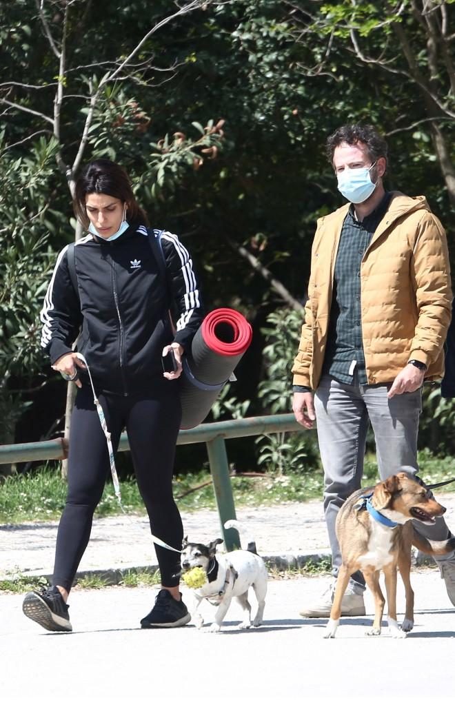 Το ερωτευμένο ζευγάρι είχε μαζί το σκυλάκι της ηθοποιού