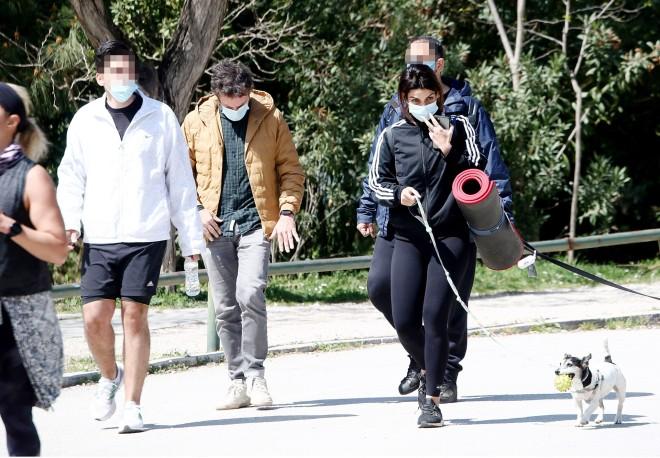 Τόνια και Κωστής δεν παρέλειψαν να φορέσουν τις μάσκες τους