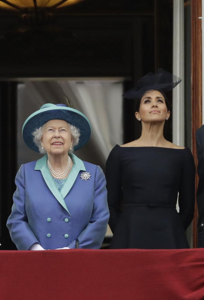βασίλισσα Ελισάβετ - Meghan Markle