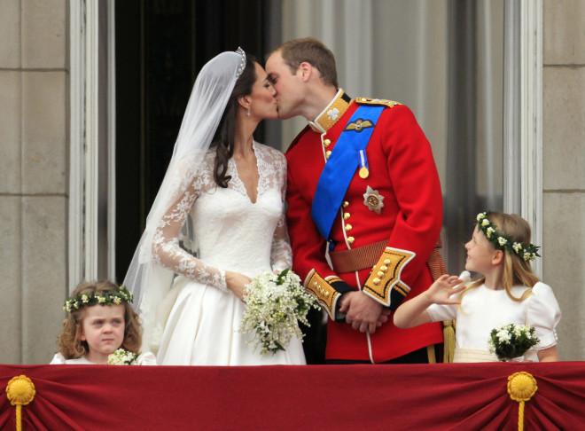 Πρίγκιπας William - Kate Middleton: Το φιλί στο στόμα την ημέρα του γάμου τους