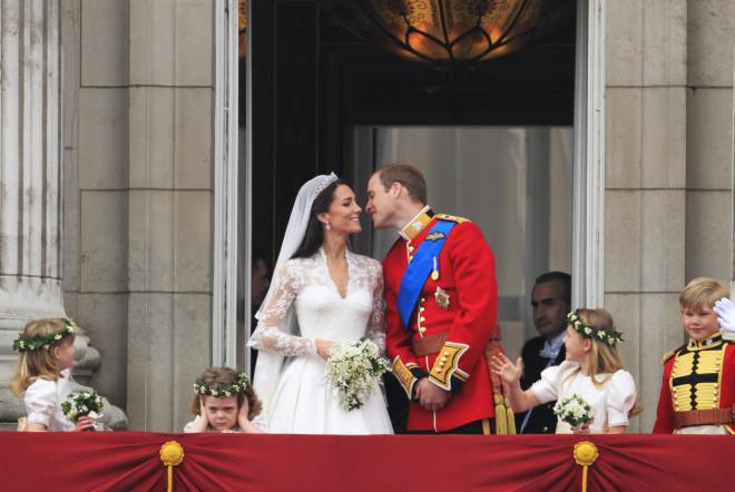 Πρίγκιπας William - Kate Middleton: Το φιλί στον γάμο τους