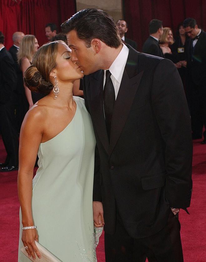 Jennifer Lopez - Ben Affleck φιλί