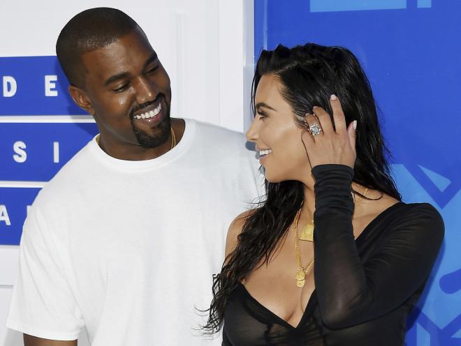 Kim Kardashian - Kanye West χαμόγελα