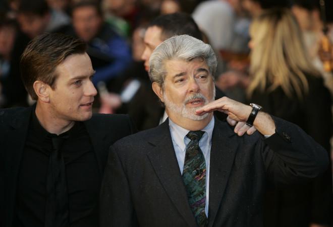 O Γιούαν ΜακΓκρέγκορ με τον Τζορτζ Λούκας στην πρεμιέρα του Star Wars το 2005