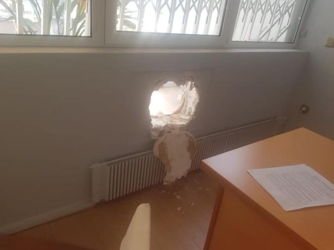 Διάρρηξη στο γραφείο Τσακαλώτου