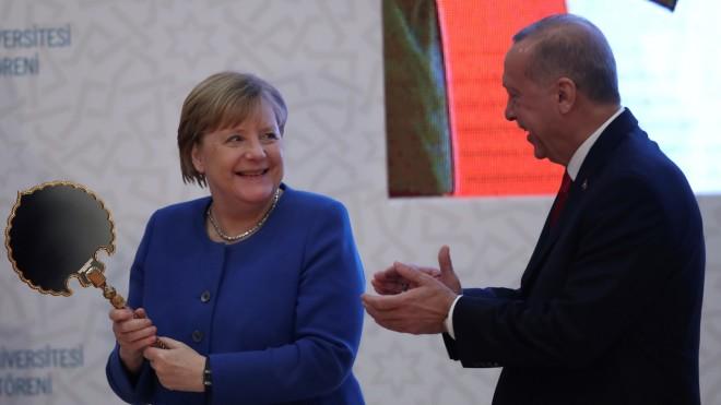 Στιγμιότυπο από τη συνάντηση Μέρκελ - Ερντογάν στην Κωνσταντινούπολη, τον Ιανουάριο του 2020- φωτογραφία ΑΡ