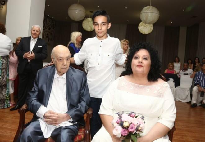 Ο Νίκος Μπάρκουλης με τους γονείς του