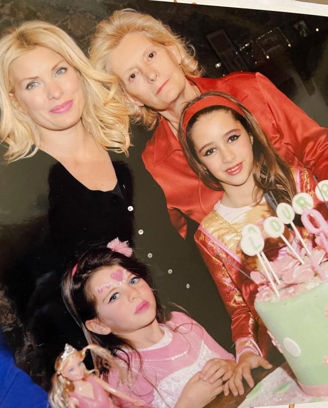 Ελένη Μενεγάκη Γιορτή της Μητέρας αναρτηση instagram παιδιά