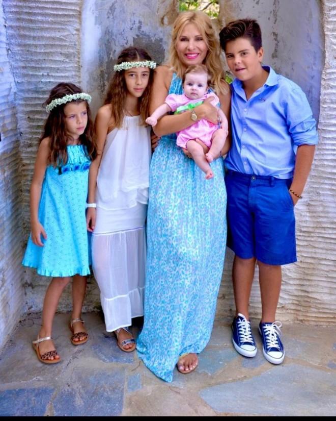 αγγελος λατσιος Ελένη Μενεγάκη Γιορτή της Μητέρας λαουρα βαλερια μαρινα παντζοπουλου μενεγακη μαμά