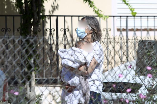 Το 11 μηνών μωράκι του ζευγαριού στα Γλυκά Νερά- φωτογραφία Eurokinissi
