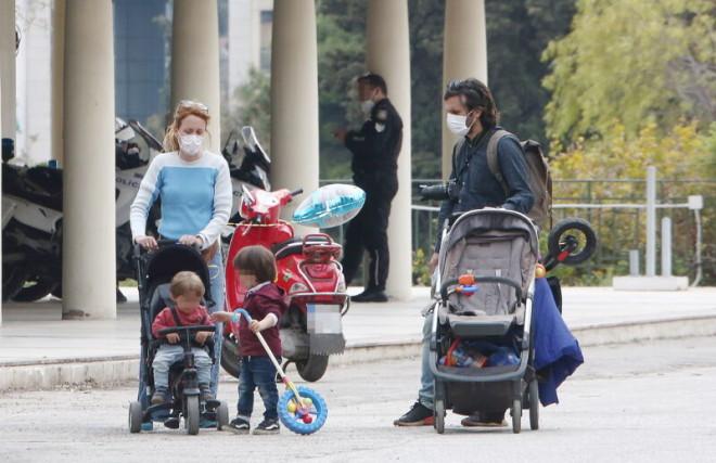 Η Λένα Παπαληγούρα με τον σύζυγο και τα παιδιά της