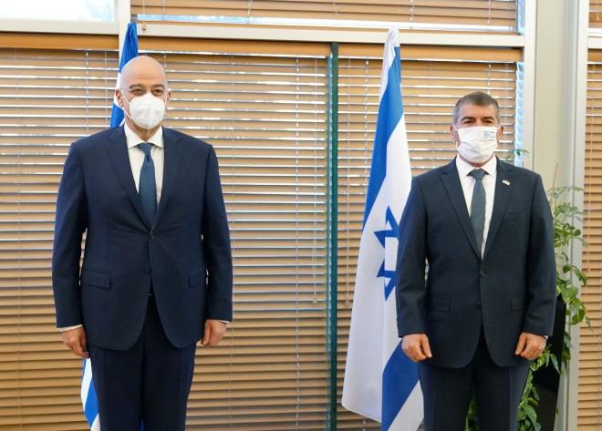 Δένδιας με ΥΠΕΞ Ισραήλ