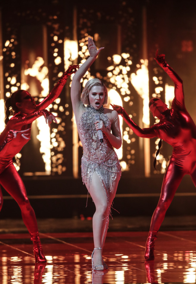 Eurovision 2021: Η Έλενα Τσαγκρινού στη σκηνή του Α' Ημιτελικού