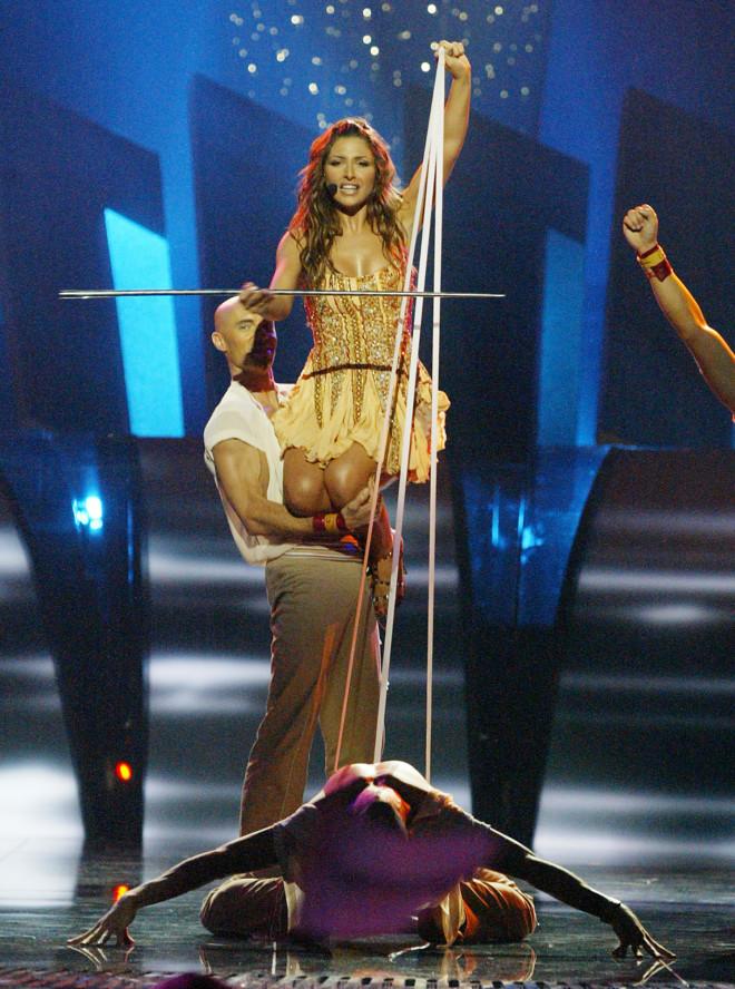 Mια από τις ωραιότερες στιγμές της χορογραφίας του«Μy Number One» της Έλενας Παπαρίζου στη Eurovision 2005