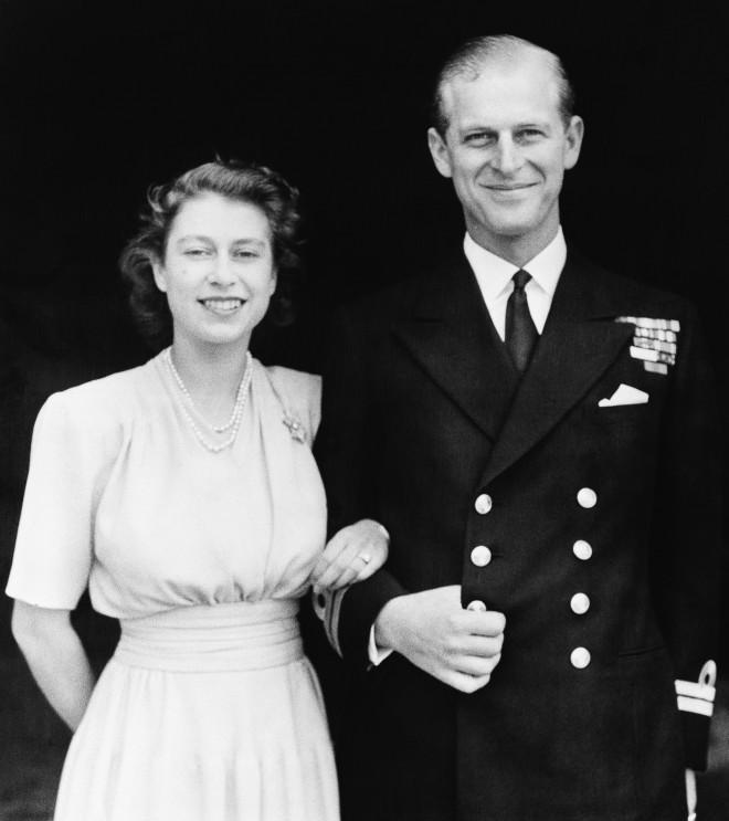 Ο Δούκας του Εδιμβούργου με τη Βασίλισσα Ελισάβετ σε νεαρή ηλικία