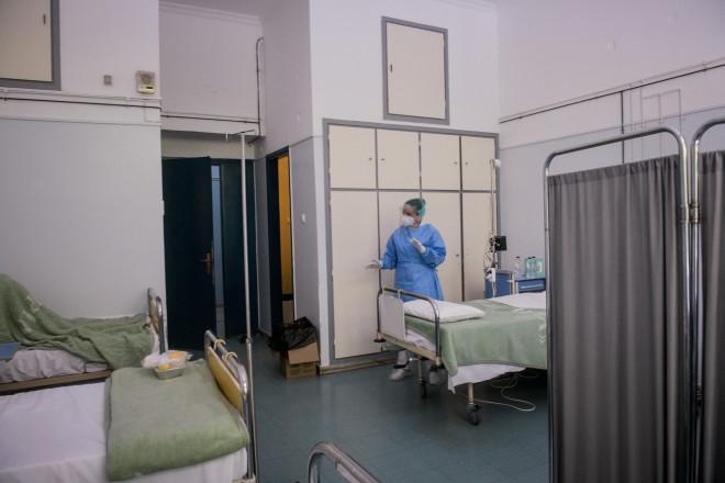 """«Από το Δεκέμβριο κάθε ασθενής που παίρνει εξιτήριο από το νοσοκομείο """"ΣΩΤΗΡΙΑ"""" έχει γραμμένο και το ραντεβού του στο ιατρείο. Το νοσοκομείο Σωτηρία ήταν το πρώτο νοσοκομείο στην Ελλάδα που άνοιξε post- covid ιατρείο. Tα μεγάλα νοσοκομεία Ευαγγελισμός και το Αττικό έχουν επίσης"""