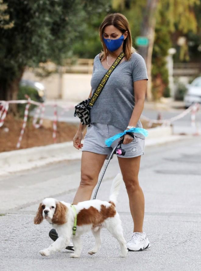Έλλη Κοκκίνου Σκύλος