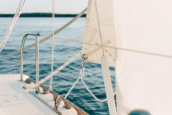 «Μπορεί κάποιος να ξεκινήσει από το Λαύριο, από το Καλαμάκι ή από κάποιο νησί, νανοικιάσει ένα σκάφος και να κάνει τις διακοπές του είτε με σκίπερ, είτε χωρίς, εάν στην παρέα υπάρχουνδύο διπλώματα», είπε ο κ. Ξενάκης
