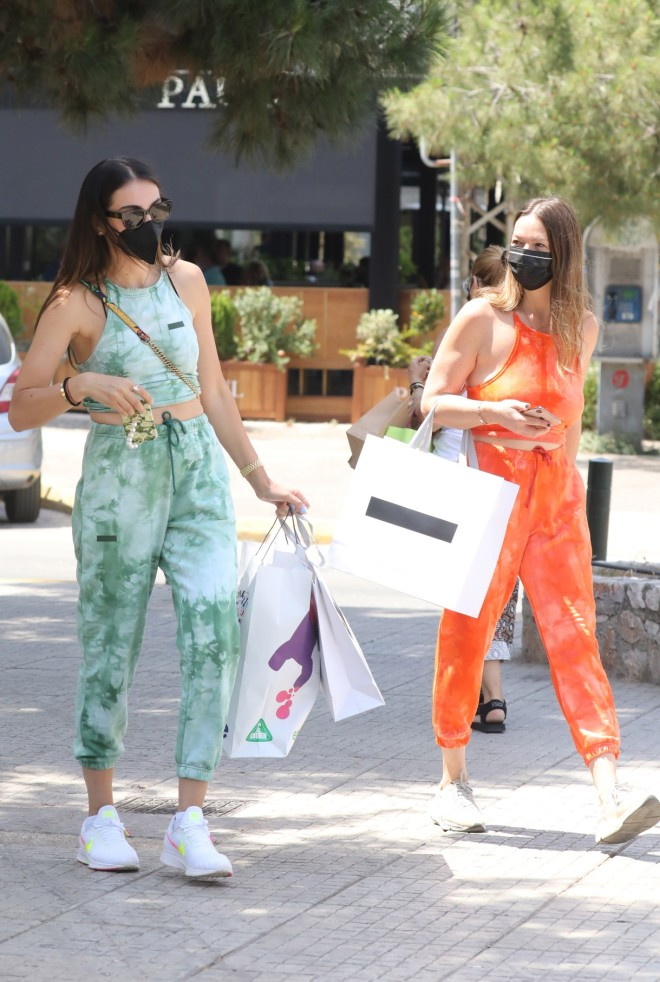 Ολυμπία Χοψονίδου: Stylish για ψώνια στη Γλυφάδα