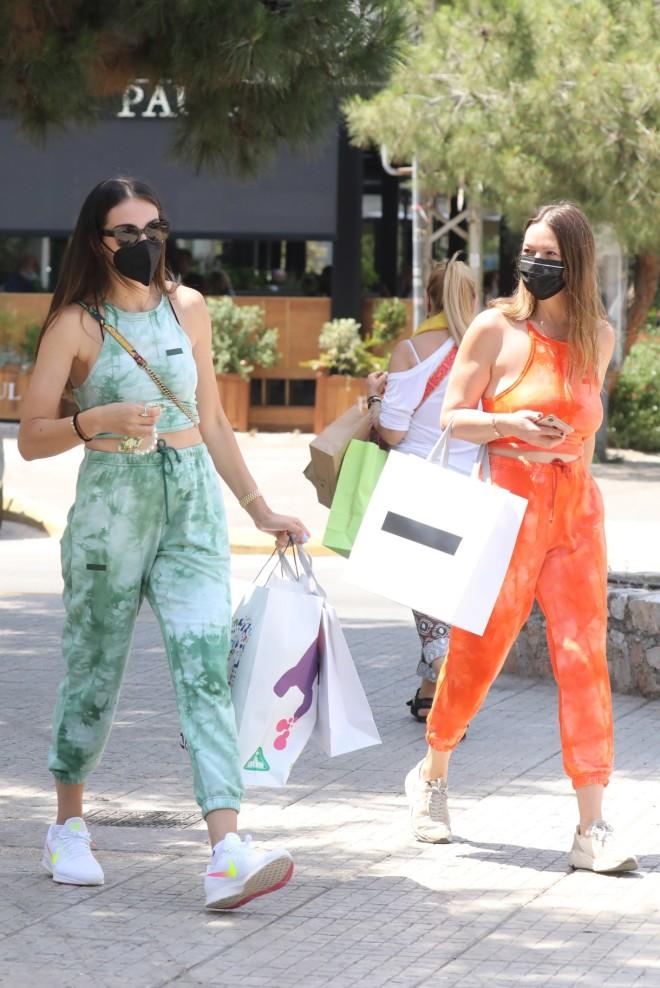Ολυμπία Χοψονίδου για ψώνια στη Γλυφάδα