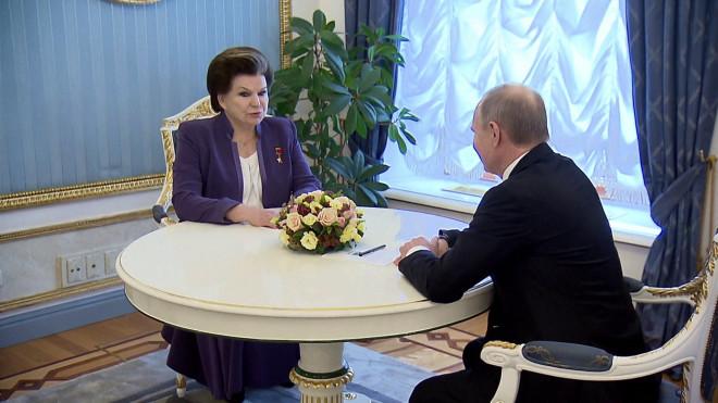 H Βαλεντίνα Τερεσκόβα σε συνάντηση με τον Πούτον το 2017 (πηγή φώτο: ruplty)