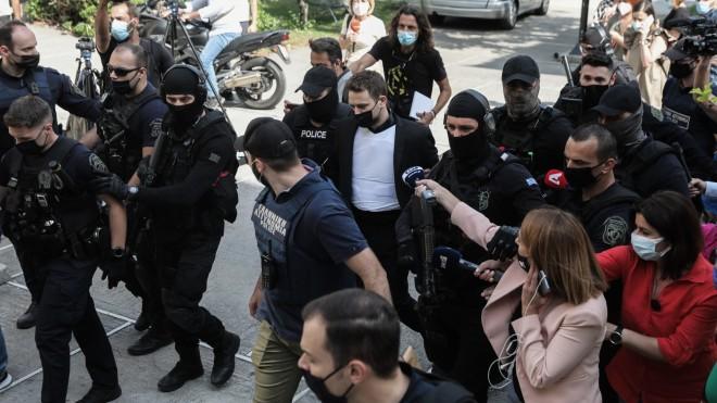 Υπό δρακόντεια μέτρα ασφαλείας στην Ευελπίδων ο καθ' ομολογίαν δράστης της δολοφονίας της Καρολάιν -Eurokinissi