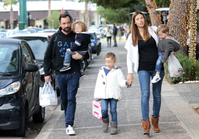 Το  πρώην ζευγάρι μαζί με τα παιδιά του σε παλαιότερη έξοδό τους