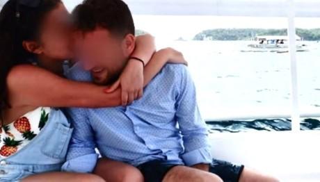 Το ζευγάρι σε ευτυχισμένες στιγμές στο εξωτερικό