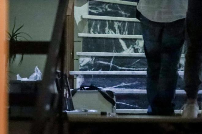 Η είσοδος της πολυκατοικίας στα Πετράλωνα όπου η 50χρονη καθαρίστρια έπεσε θύμα βιασμού- Eurokinissi