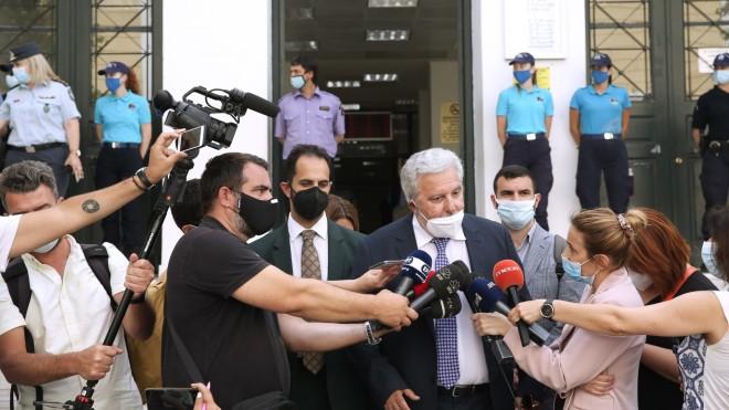 Ο δικηγόρος της μητέρας της Καρολάιν, Θανάσης Χαρμάνης, έξω από τα δικαστήρια- Eurokinissi